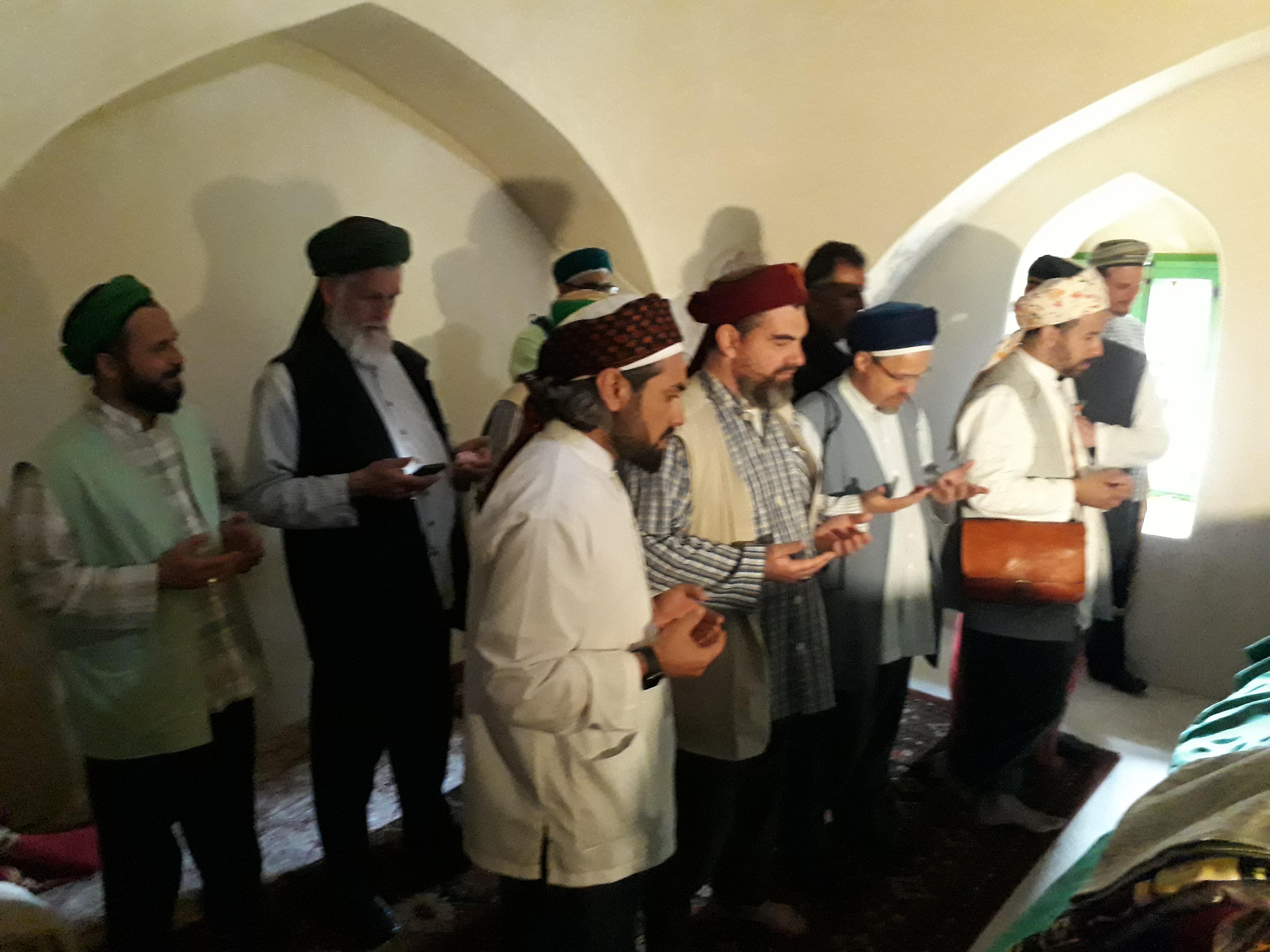 مسلمون ألمان من أتباع الطريقة النقشبندية يزورون كوكب ابو الهيجاء ومجلسها المحلي