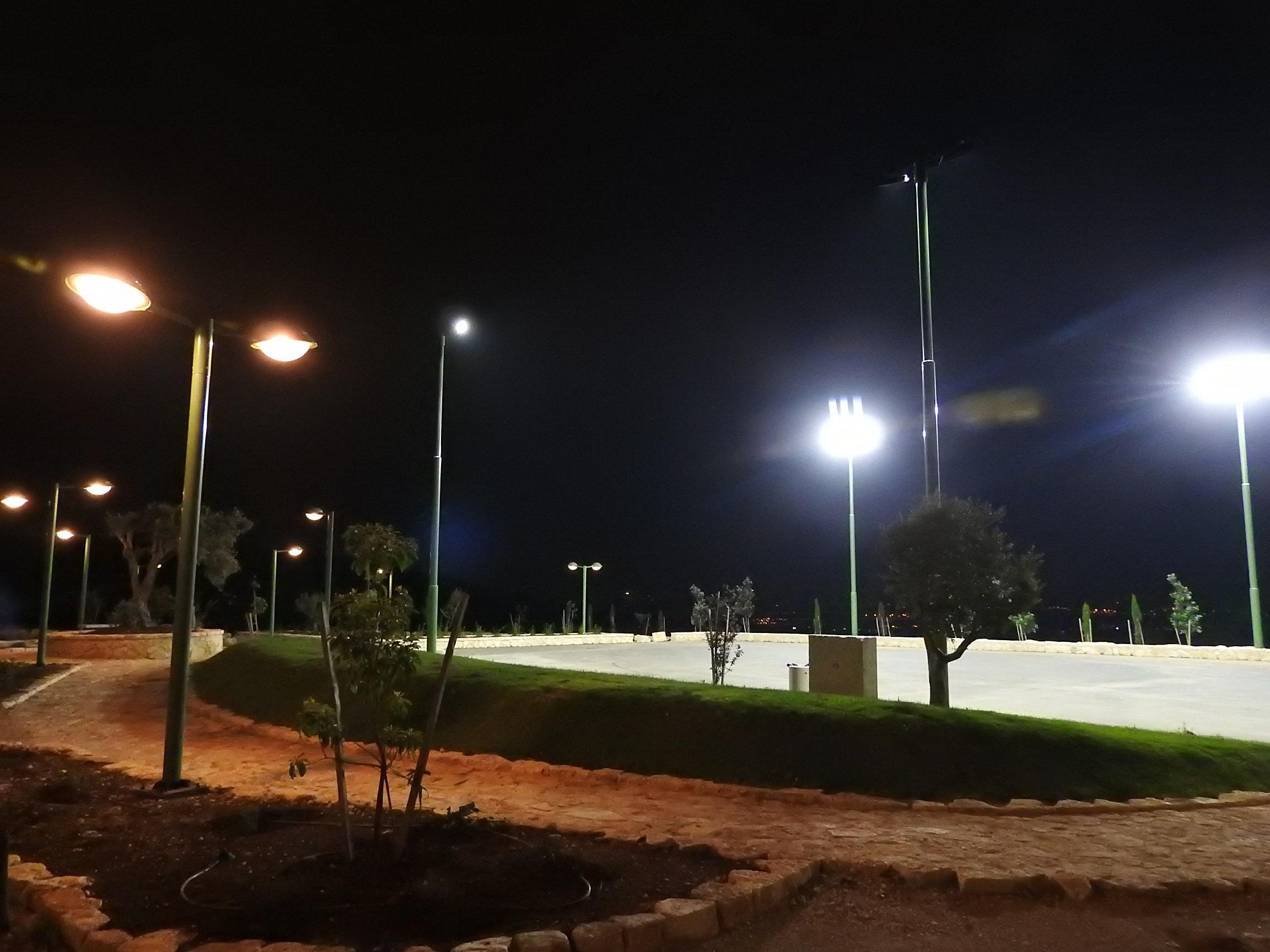 מועצה מקומית אבו אל-היג'א - האיר את פארק כאוכב בשכונה הדרומית