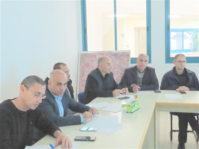 جلسة طوارىء موسعة في مجلس كوكب ابو المحلي بمشاركة كافة الأطر المعنية