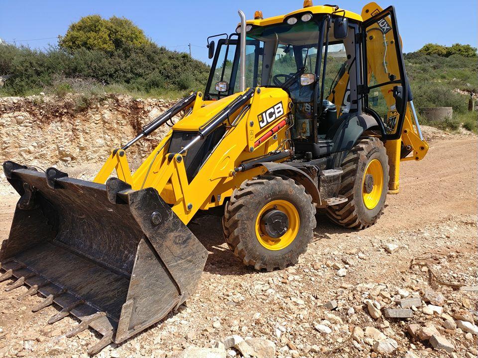 مجلس كوكب المحلي يقوم بتنظيف أكوام من النفايات في محيط القرية والمخالف سيعرض نفسه لغرامات من قبل مراقبي وحدة البيئة
