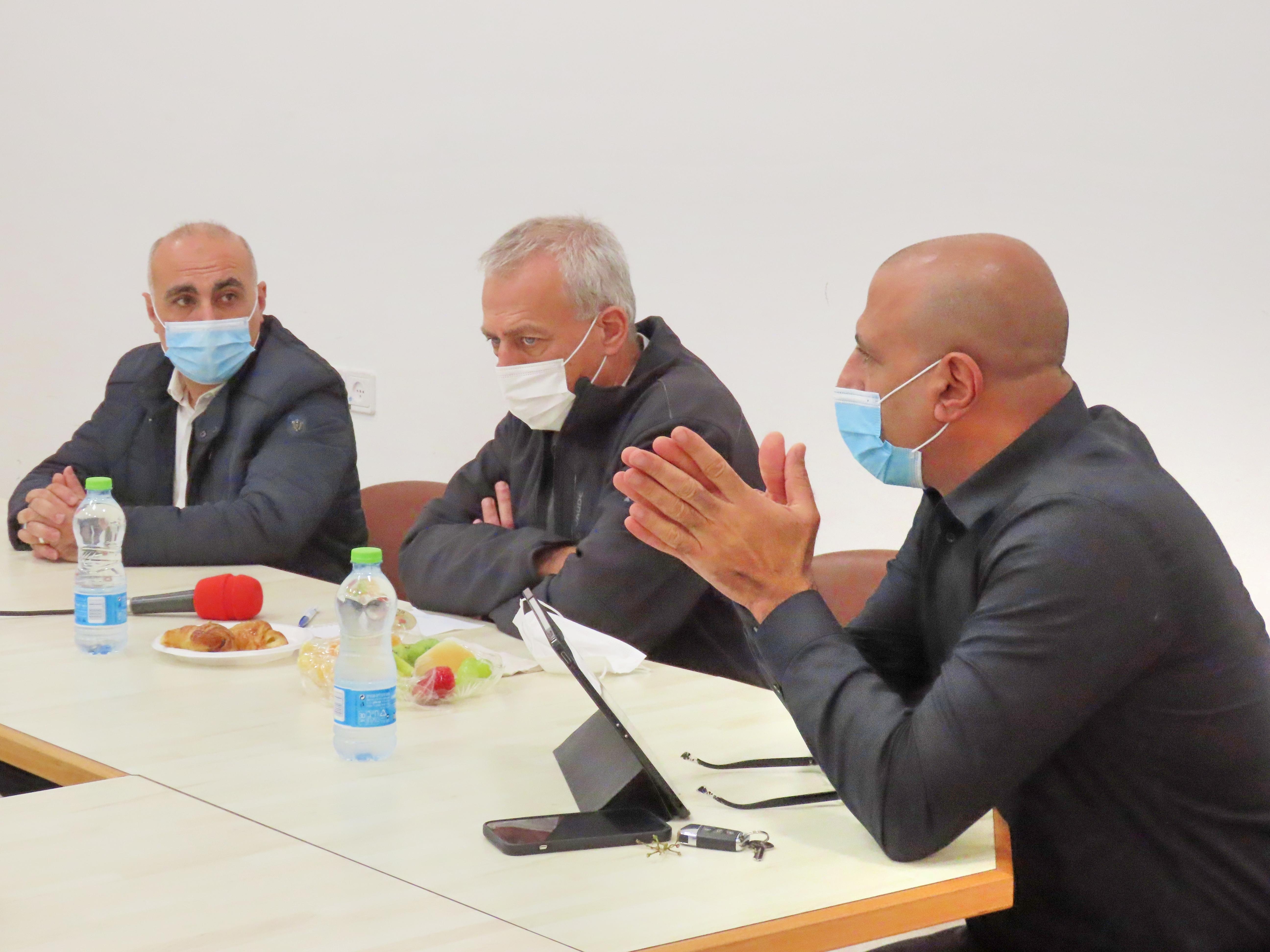 إفتتاح مركز تطعيمات ضد الكورونا في كوكب أبو الهيجاء