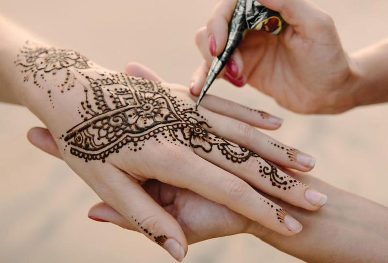مجلس كوكب ابو الهيجاء المحلي - قسم النساء:ورشة رسم حناء